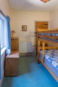 MarshwoodFarm-cottage-017