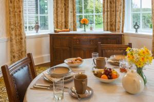 MarshwoodFarm-dining-room-general-02