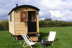 shepherds-hut-01